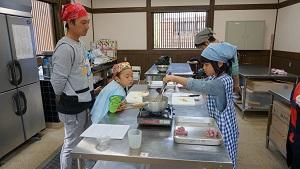 re151107お魚さばき教室 (22)