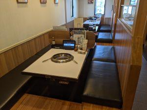 rere新潟寺尾店テーブル
