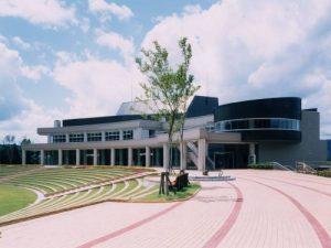 トキっ子サポート店魚沼市小出郷文化会館2-300x225