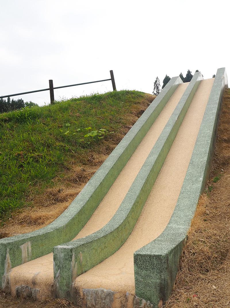 長岡市大杉公園_滑り台