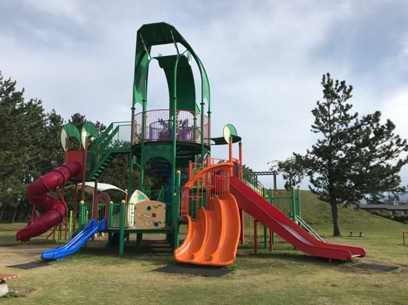 トキっ子調査隊須沢臨海公園複合遊具