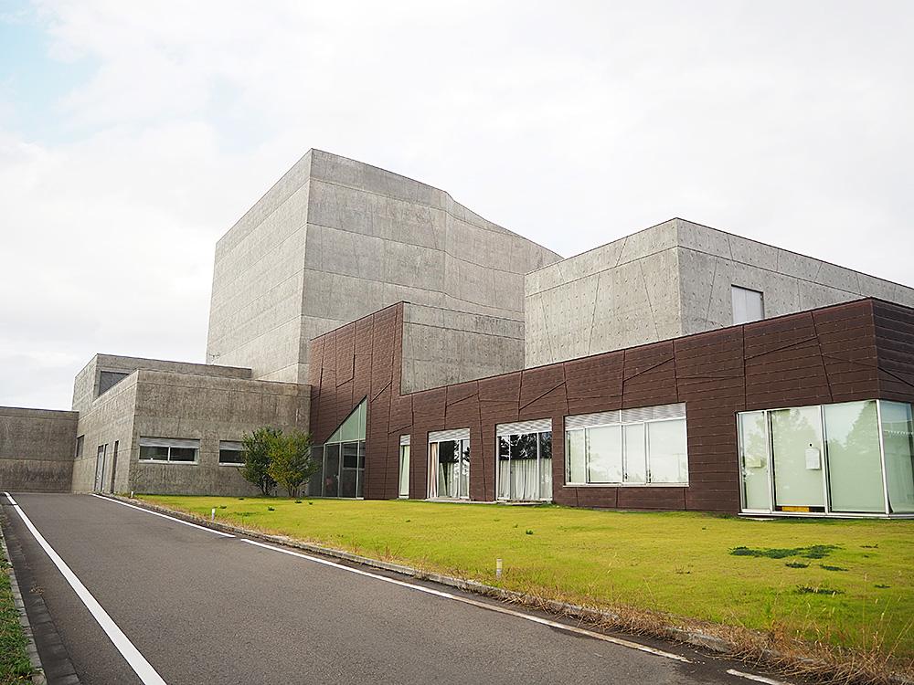 亀田図書館_外観