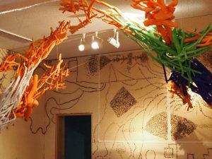絵本と木の実の美術館 (2)