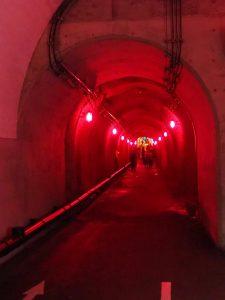 清津峡トンネル赤