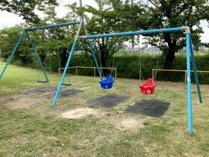 西川ふれあい公園ブランコ